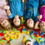So erfinden Sie einfache Quizfragen für Kindergartenkinder