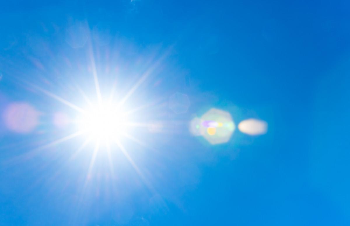 UV-Strahlung: Vor- und Nachteile für die junge Haut