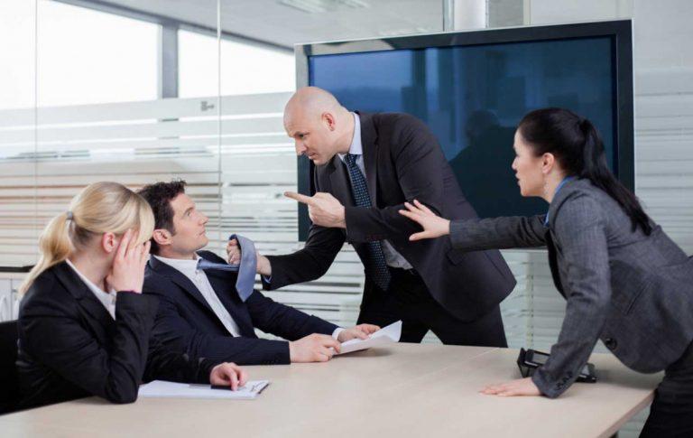 So lösen Sie Konflikte im Team