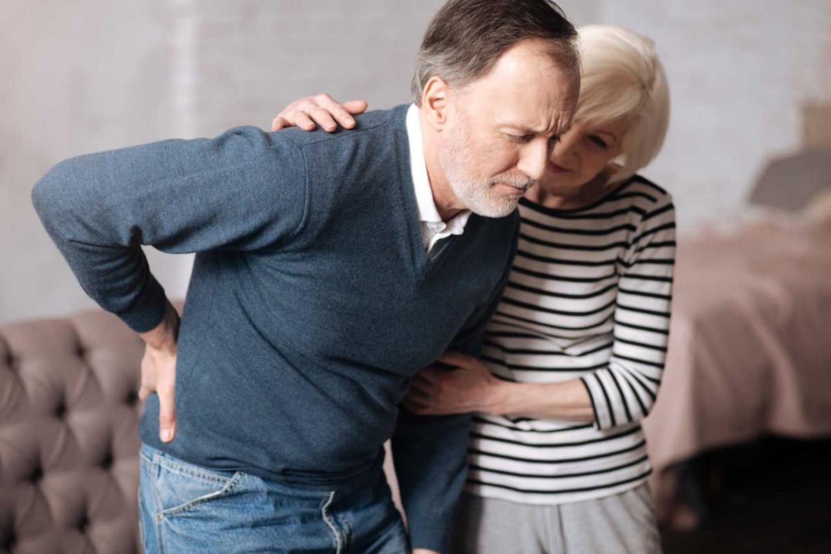 Hexenschuss – Ursachen und Behandlung der quälenden Rückenschmerzen