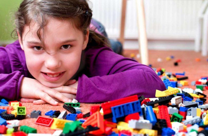 Kinderzimmer aufräumen: Hilfreiche Tipps für Eltern - experto.de