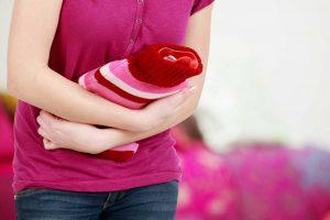 Blasenentzündung mit Heilpflanzen-Teemischung behandeln