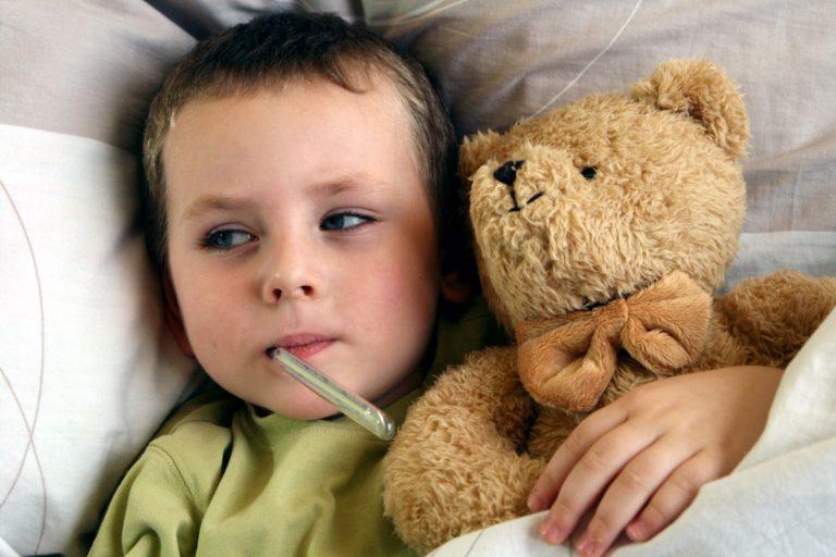 Mein Kind hat Brechdurchfall: Was mache ich?