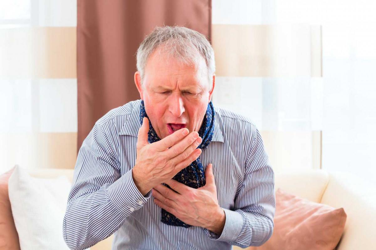 Husten mit Heiserkeit homöopathisch behandeln