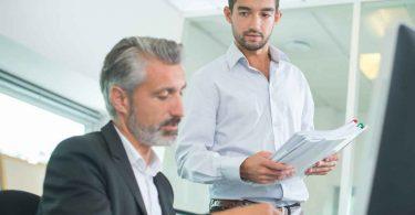 Wie schreibt man leistungsgerechte Arbeitszeugnisse?