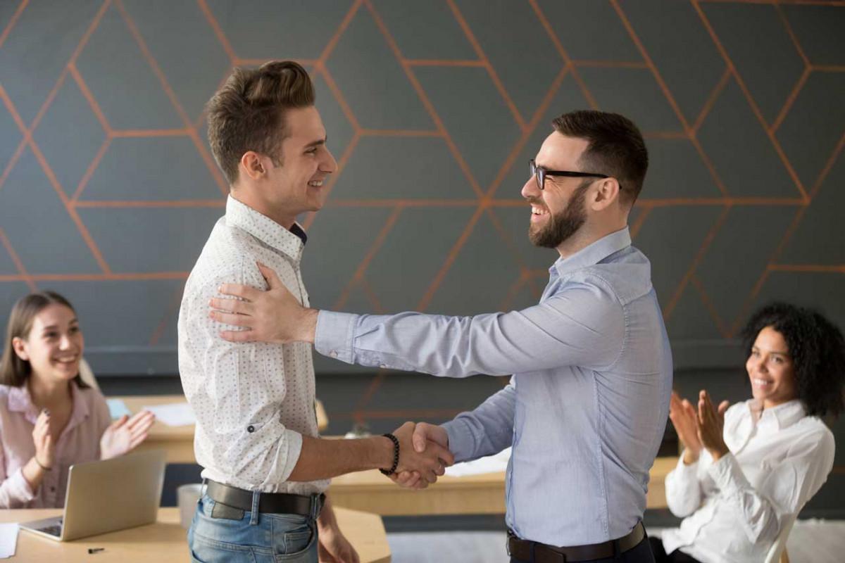 Soziale Kompetenz: Mitarbeiter richtig führen und Vertrauen schaffen
