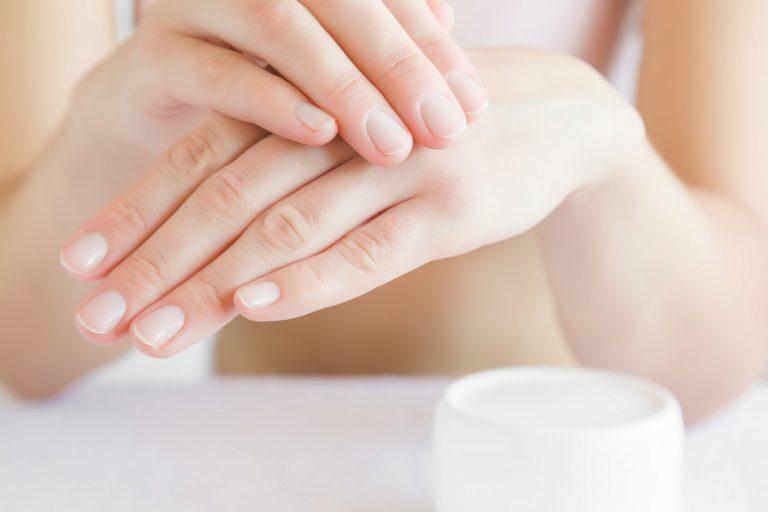 So bekommen Sie schöne und gesunde Fingernägel mit Schüßlersalzen