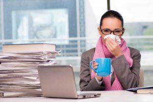 Krank ins Büro: Warum Sie dies vermeiden sollten