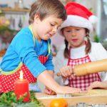 So gelingt die Weihnachtsbäckerei mit Kindern