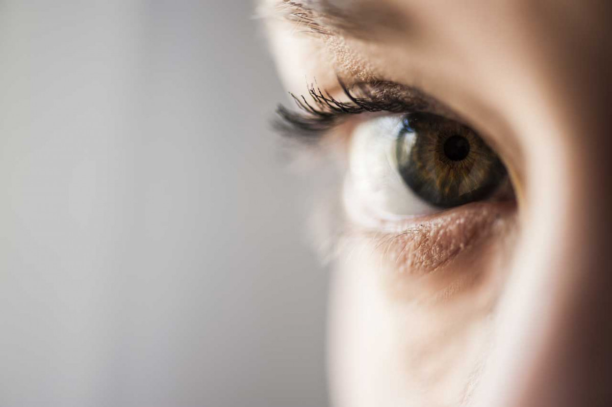 Sich in die Augen sehen: So meistern Sie die Angst vor