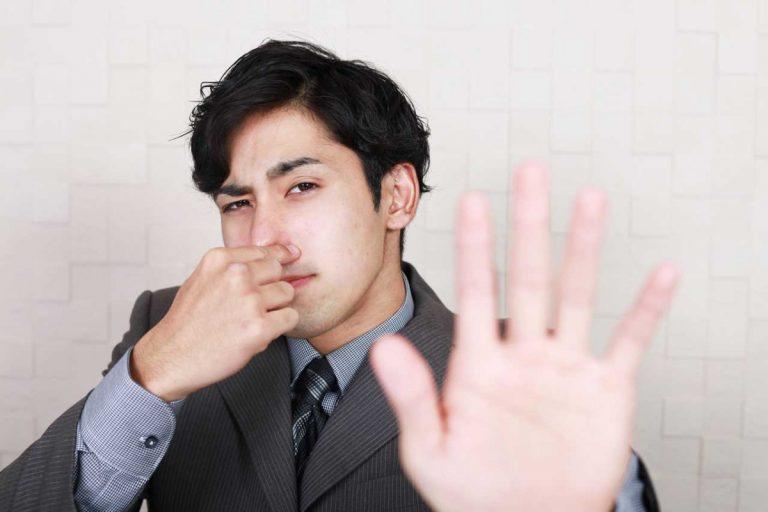 Mein Kollege hat Mundgeruch - was tun?