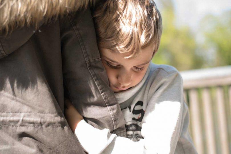 Der richtige Umgang mit Ängstlichkeit bei Kindern