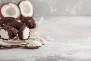 Einfaches leckeres Schoko-Rohkost-Konfekt für die Weihnachtszeit