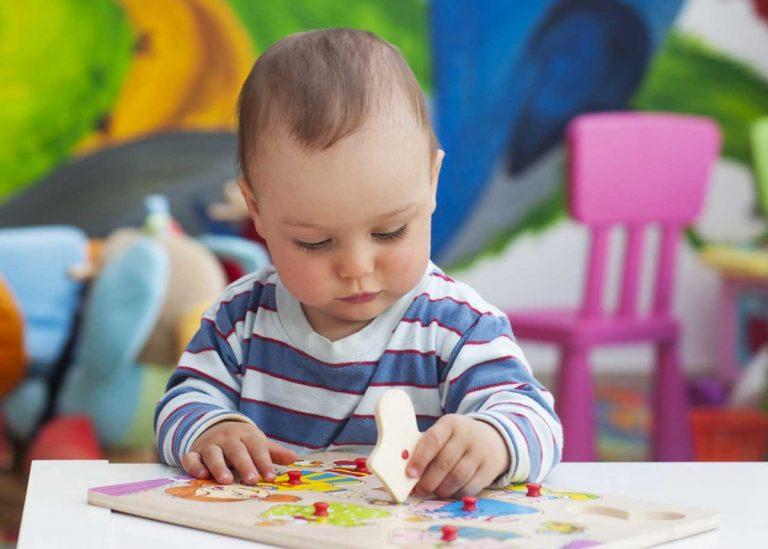 Lassen Sie Ihr Kind selbstständig spielen und ebnen Sie so den Weg für eine erfolgreiche Zukunft