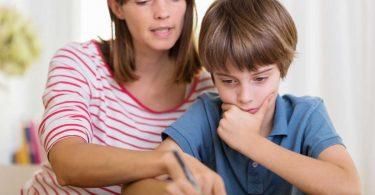 So kommen Sie weg vom Schimpfen mit Ihrem Kind und hin zum Erklären