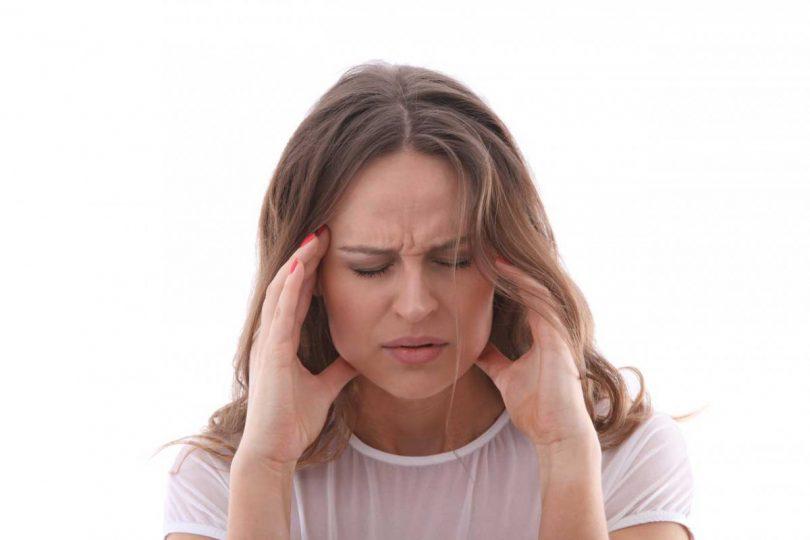 Bei stressbedingten Kopfschmerzen kann manchmal der Zahnarzt helfen