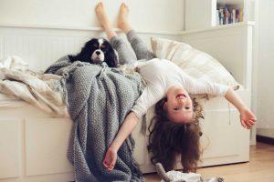 Ihr Kind soll im eigenen Bett schlafen? So klappt's!