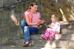 Warum Sie als Erwachsene auf Kindersprache verzichten sollten