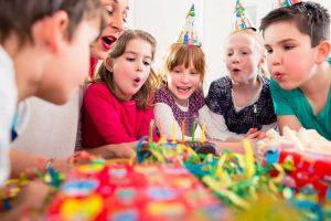 Kindergeburtstag: Ideen für unterhaltsame Kinderspiele