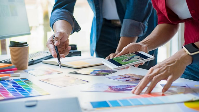 Bekanntheit aufbauen mit globaler und integrativer Werbung