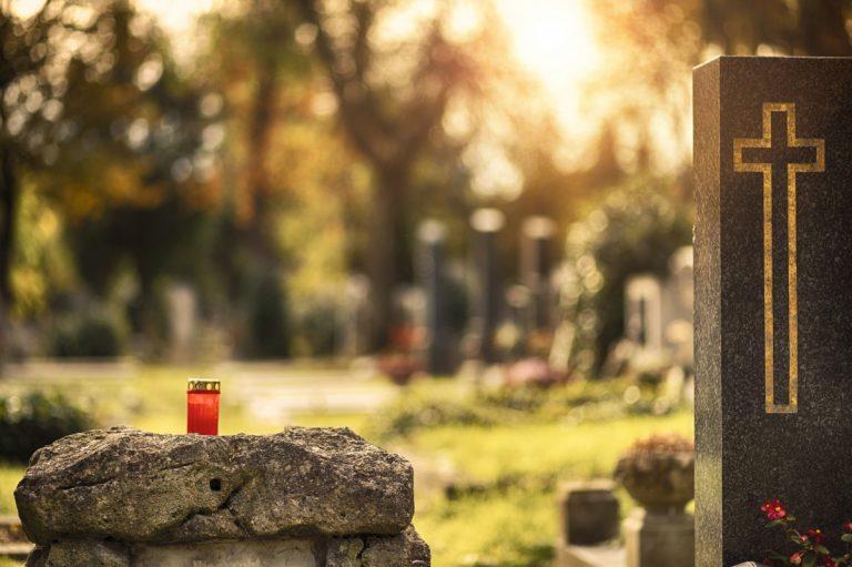 Trauerfall: So formulieren Sie eine bewegende Rede!
