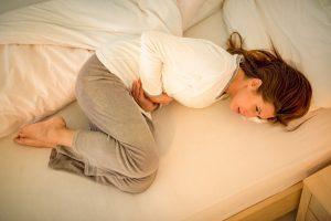 PMS-Beschwerden mit Homöopathie lindern