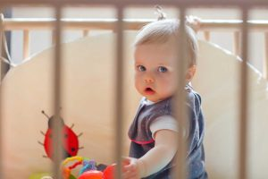 Übervorsichtige Eltern und Auswirkungen auf die Kinder