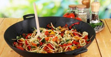 Kochen mit dem Wok – Asiatisches Feeling und gesundes Essen