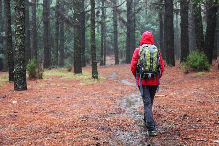 Wandern – das müssen Sie bei einem Gewitter beachten