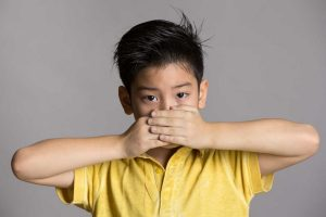 Mutismus - Ursachen, Symptome und Folgen