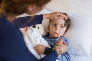 Fieber bei Kindern bekämpfen – das hilft wirklich