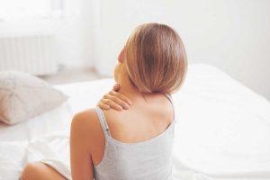 Kopfschmerzen durch Rückenprobleme