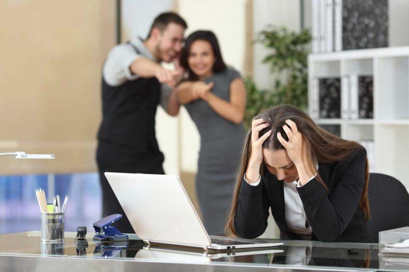 mobbing wenn der arbeitsplatz zur hlle wird - Mobbing Am Arbeitsplatz Beispiele