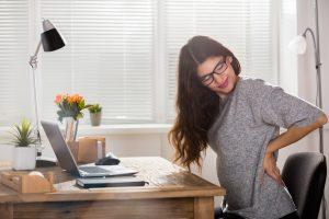 Rückenübungen für das Büro – So kommen Sie fit durch den Tag