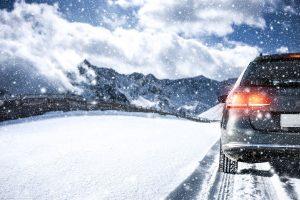 Winterurlaub in den Alpen: Welche verkehrsrechtlichen Regelungen müssen Sie beachten?