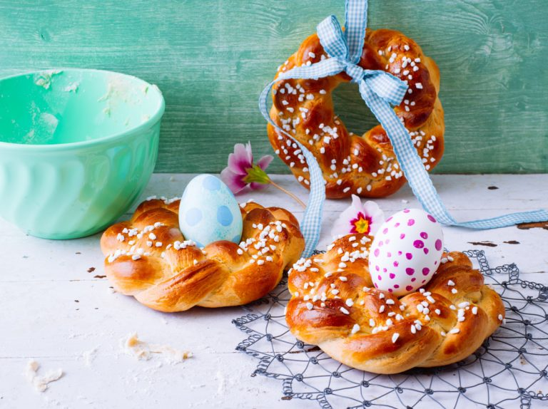 Rezept für einen dekorativen Hefezopf zu Ostern