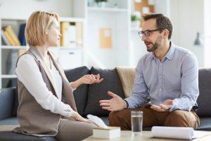 """Damit glänzen Sie im Small Talk: 5 bekannte Redewendungen mit """"B"""""""