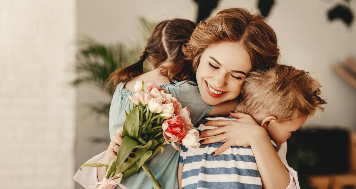 Was können Kinder zum Muttertag schenken? - experto.de