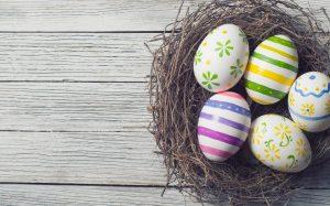 Gestalten Sie Frühlingskranz oder Osterdeko
