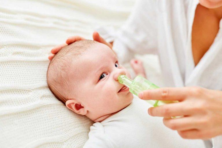 Naseputzen bei Säuglingen: So helfen Sie Ihrem Baby