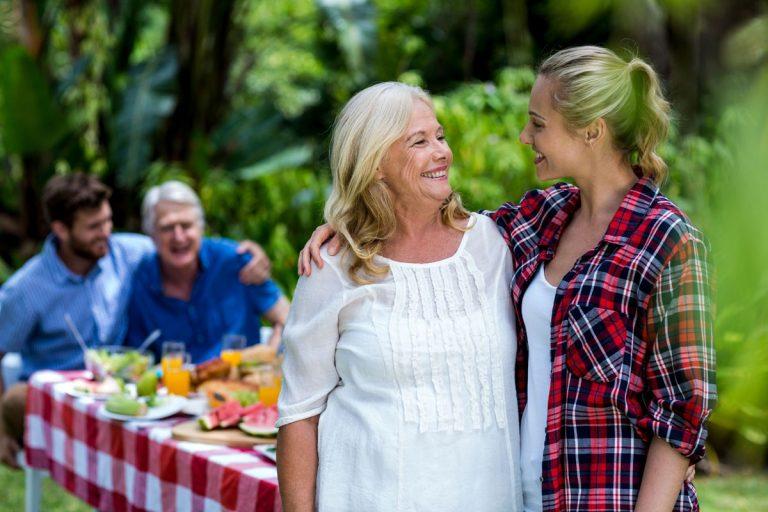Schwiegermutter & Schwiegertochter - so glückt die Kommunikation