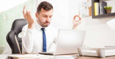 Powernapping und Yoga für mehr Ausgeglichenheit am Arbeitsplatz