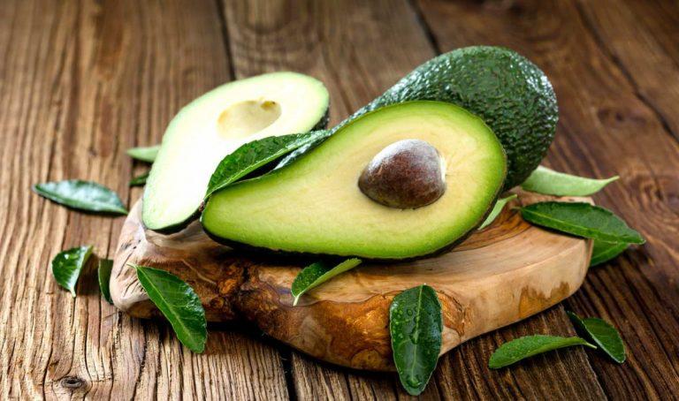 Avocado – Schnelle Hilfe für trockenes und brüchiges Haar