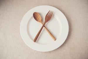 Fasten: So besiegen Sie das Hungergefühl