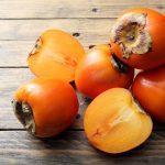 Ein neues leckeres und gesundes Obst: die Kaki-Frucht