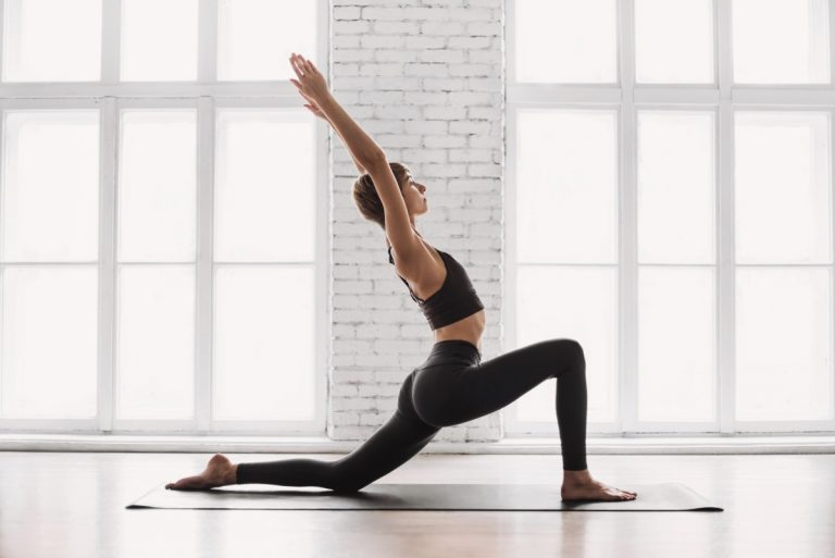 Entspannter Blick durch Yoga-Übungen für die Augen