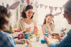 Witzige Ostergeschenke selber machen: Ausgefallene Osterhasen basteln