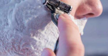 Nassrasur ohne einschneidende Erlebnisse: So verhindern Sie Rasurbrand