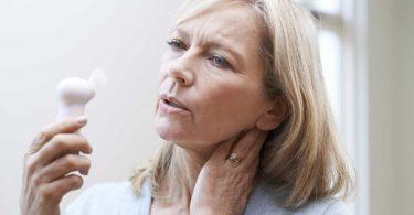 Mit Hitzewallungen und Depressionen in den Wechseljahren umgehen