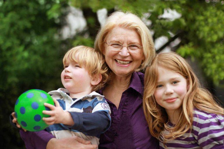 Senioren-Au-Pair – Ohne Enkel zur Oma werden